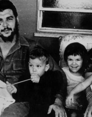 El Che con su familia