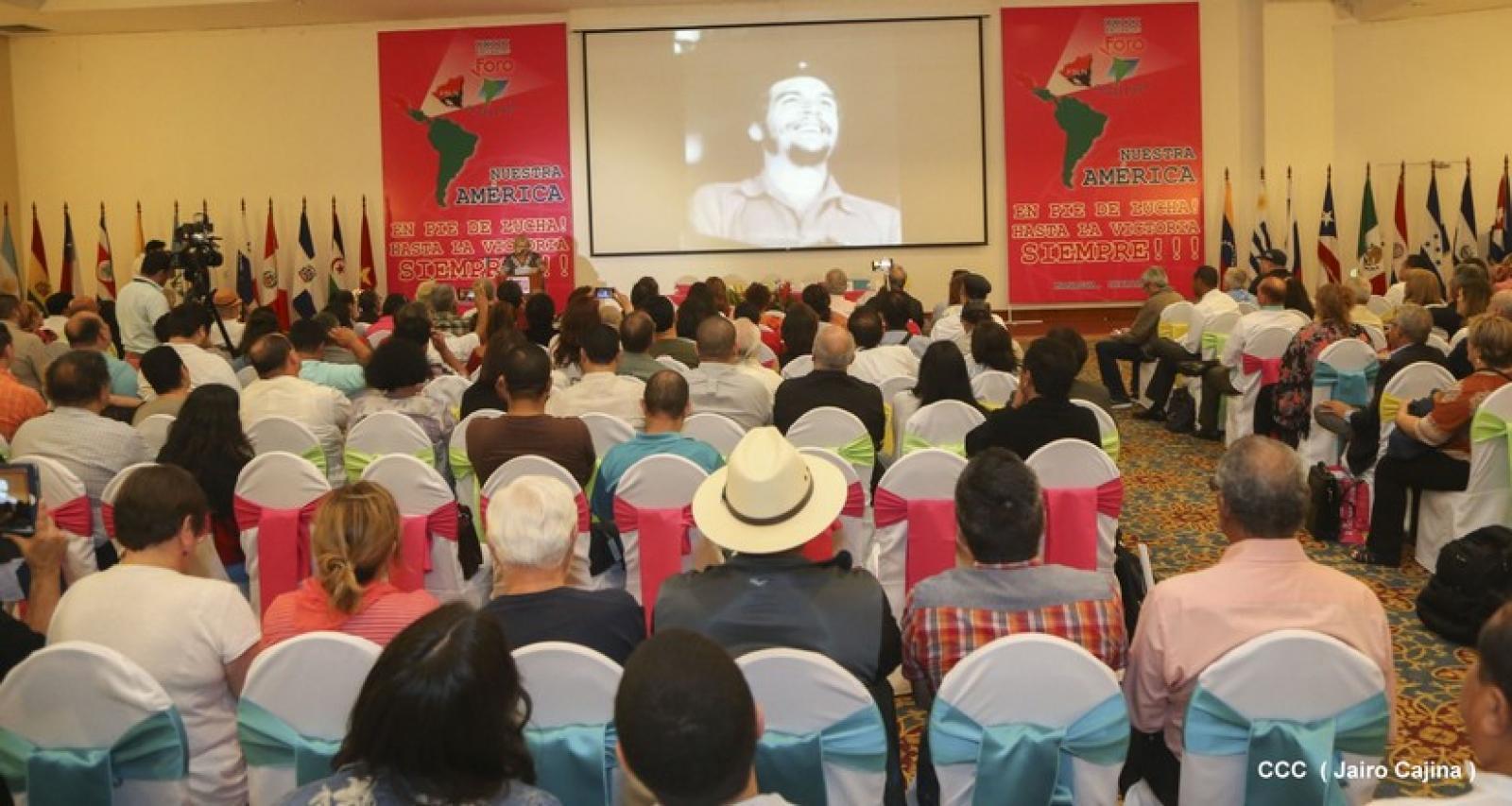 Homenaje al Che, Fidel y Chavez en el Foro de Sao Paulo